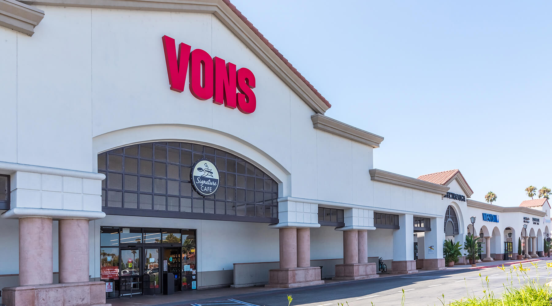 The Shops at Mesa Verde Vons